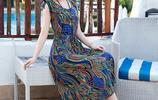 40歲女人最優雅!超美沙灘裙,讓你氣質如花更出眾