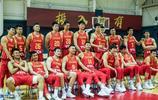 中國男籃公佈最新大合照,易建聯霸氣C位,劍指世界盃,勇創佳績