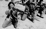 """""""火紅年代""""裡的56式半自動步槍:1970年代民兵訓練老照片"""