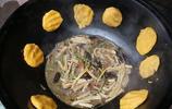午飯,父親用農村大鍋做飯就是香,飯 菜一鍋出很好吃,又吃撐了