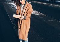 駝色風衣裡面穿什麼顏色打底衫 駝色大衣裡面配什麼內搭