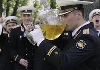 如何與俄羅斯人一起喝伏特加不醉?