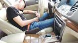 喝酒後在車裡睡覺也算酒駕?聰明老司機用一絕招,不怕查酒駕