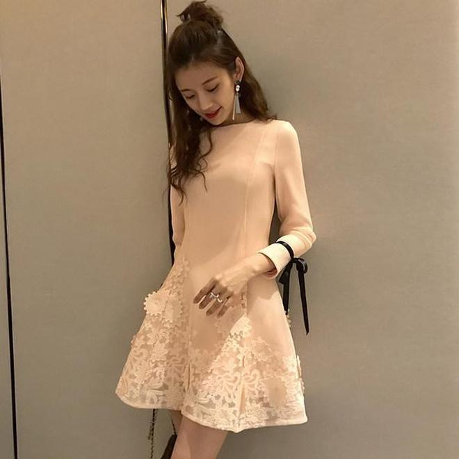 小蠻腰原來是這麼穿出來的,10件氣質網紗連衣裙自然清新十分減齡