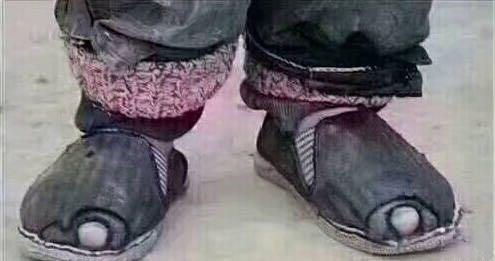 經典毒雞湯:這月必須努力賺錢,爭取把鞋換了