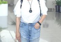 63歲劉曉慶近照好美,穿著清爽皮膚白皙似少女