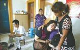 52歲高齡產婦為賭氣生了三胎,孩子剛出生,兒子兒媳怒甩大門離開