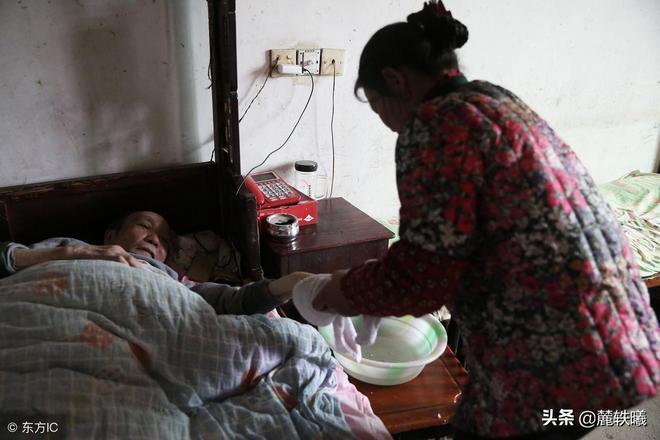 醫生診斷丈夫只能活6個月,安徽女子沒有改嫁,丈夫已活了31年