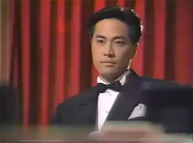 看過《賭神》《賭聖》不稀奇,瞭解下面八部經典賭片電視劇才厲害