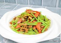 飯店的蒜薹炒肉為什麼那麼好吃?大廚教你小技巧,鮮香味美超下飯