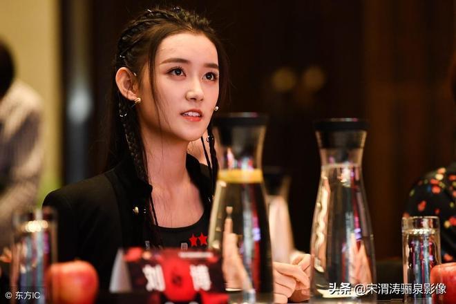 蔣依依,00後,出生於北京,女演員,她1歲就開始拍廣告了