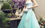 佟麗婭一組復古寫真,身穿一件件華麗禮服變身優雅迷人的貴太太!