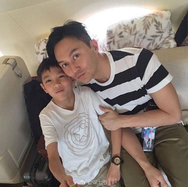 張智霖和袁詠儀的兒子近照曝光