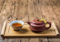 長期大量喝茶有什麼危害?為了健康著想,醫生提了2個建議