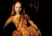 新千年,飾演英國女王、國王和首相,容易獲封奧斯卡帝后