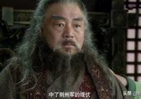 《三國演義》中溫酒斬華雄的為何是關羽,而不是脾氣暴躁的張飛?