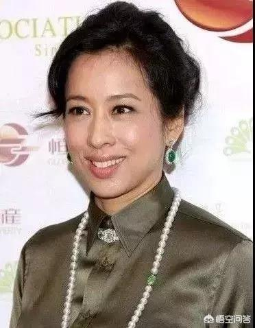 如何看待郭晶晶的婆婆,最美港姐朱玲玲和她的那些翡翠?