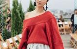 42歲林心如和42歲趙薇同穿針織衫,終於見識到最高級別的扮嫩