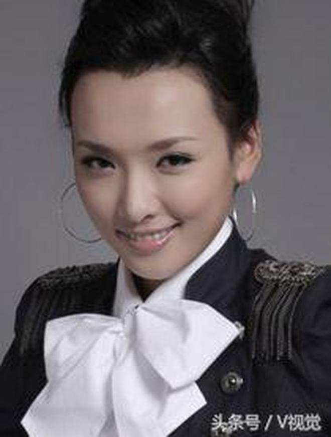 王君平出演了《鄉村愛情》中村長王長貴的女兒王香秀