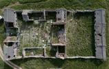 在大山深處,有一座殘敗的商湯求雨行廟,旁邊的娘娘池從未枯竭