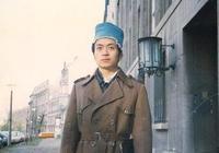 戴著帽子的詩人——顧城