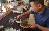 老班章拜訪茶王家:一棵樹茶葉賣出68萬,家裡最便宜一泡茶也過百