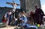 葡萄牙民眾重現耶穌受難場景 紀念耶穌受難日