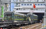 """火車""""坐""""船來海南你見過嗎?粵海鐵路列車下船 場面壯觀"""
