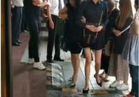 有種遺傳叫關曉彤,當看到她媽媽的身材後,網友:終於知道了