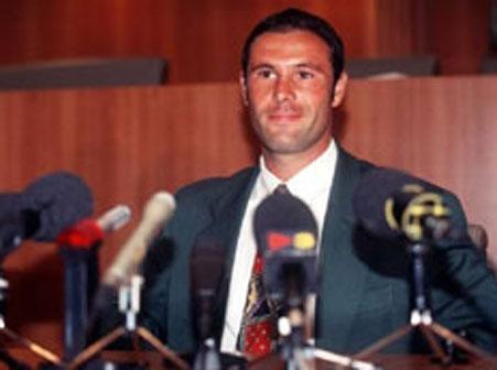 24年前的這項法案,改變了世界足壇格局,阿賈克斯是最大受害者