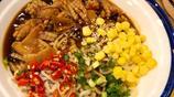 打卡鄭州的新晉網紅面,魷魚好吃到舔盤,人均30元,舌尖上的河南