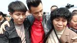 10個月大男嬰被偷,30公里回家路走了28年,為何長跪墳前淚雨滂沱