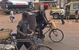 街頭十分鐘的手機拍攝告訴你關於非洲自行車的故事,言不虛傳