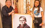 吉克雋逸來導師劉歡家裡做客,劉歡展示自畫像吹喇叭