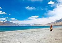 這高原跨境湖泊漂亮的像不該存在的地方!可惜被印度強佔三分之一