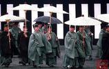 日本昭和天皇裕仁出殯儀式照,他發動侵華戰爭,但逃過了二戰審判
