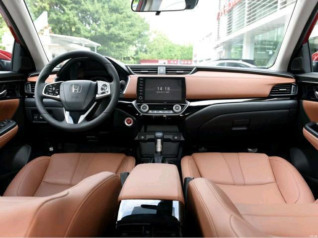 本田凌派最接近B級的A級車,外觀比雅閣時尚,空間比名圖寬敞