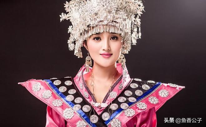 苗家歌手或演員,美麗動人,顏值不輸一線女星!你覺得哪個最美?