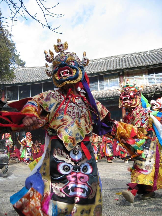 麗江最重要的寺院,和古城關係密切,木氏土司後裔曾任住持