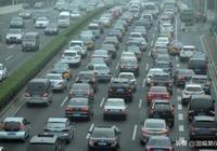 美國汽車2.6億,日本0.7億,中國???