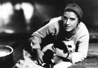 當年美國人露絲把熊貓盜回美國,她是用什麼辦法讓熊貓出境的