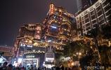 重慶最網紅的景點,獨特吊腳樓吸引眾多遊客,夜景更加迷人