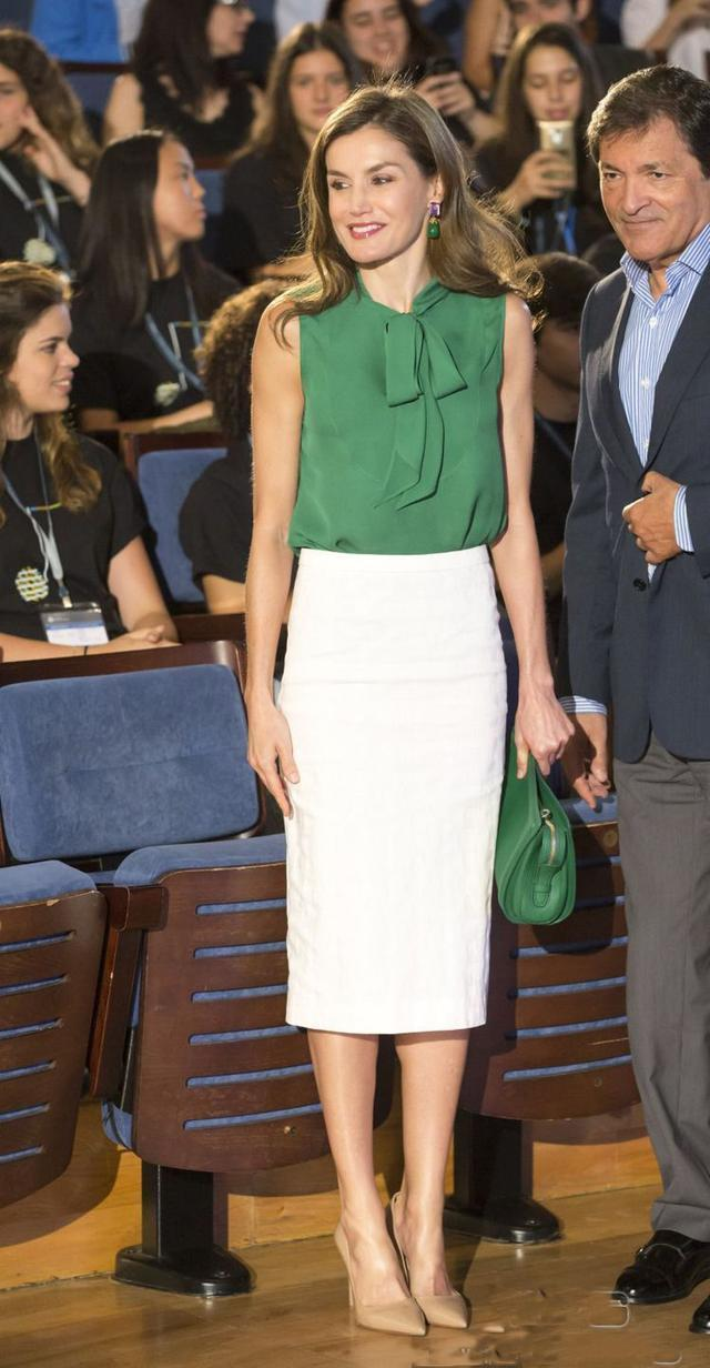 和國王有最萌身高差,西班牙王后蕾蒂希亞穿出好感度
