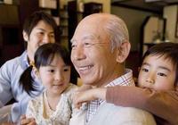 老人帶孩子真的不好嗎?這3件事只有爺爺奶奶能做到