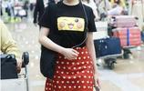 李蘭迪素顏現身機場,穿皮卡丘t恤萌值爆表,《創造營》表演獲贊
