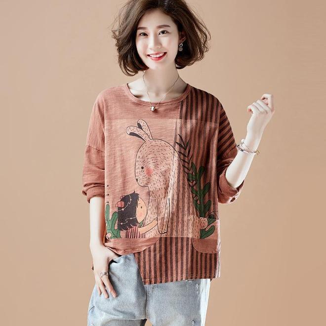 34~48歲女人都愛穿的純棉T恤,知性氣質顯膚白,穿著洋氣遮贅肉