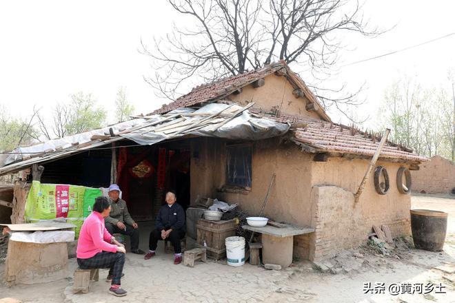 她5歲時逃荒嫁到河南農村,73年沒回過老家,如今78歲生活啥樣子