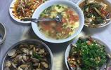 旅遊也能吃得到家常菜,民宿老闆做的四菜一湯,味道很好哦