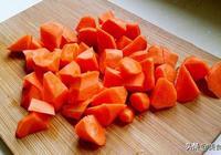 胡蘿蔔別再炒著吃了,這樣簡單一醃一拌,清脆爽口,開胃又下飯