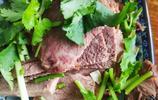 到陝西面館,不吃肉夾饃和油潑面,點了四樣小菜,老王吃美了!